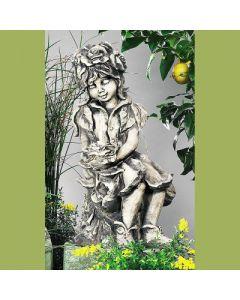 Lichterkind Rosenmädchen, Betonguß,