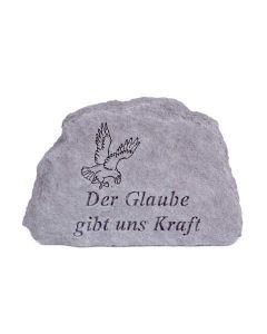 """Gedenkstein """"Der Glaube gibt uns Kraft"""", Steinguss"""